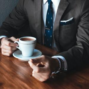 できる営業マンはネクタイにこだわっている!ネクタイを選ぶポイントとおすすめブランド4選