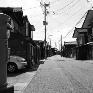 出雲崎〜妻入り家屋の街道