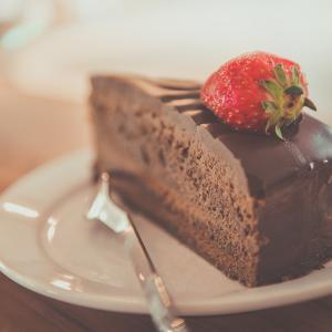 【体験談】大学生に百貨店(デパート)のケーキ屋アルバイトはおすすめ?良いところと、大変なところは?