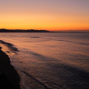 夜明けの鎌倉七里ヶ浜
