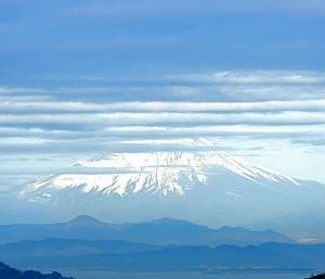 今朝の富士山はバーコード?