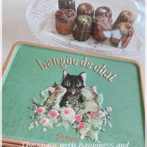 ∞ アンティークな猫缶*洋菓子洋菓子店リビエールのラングドシャ ∞