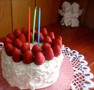 米粉・ホワイトソルガムのバースデーケーキ