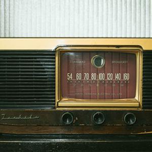 テレビやラジオの曲紹介のときの違和感