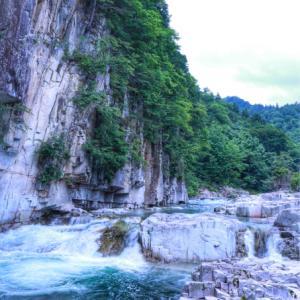 涼を求め  南会津の屏風岩へ