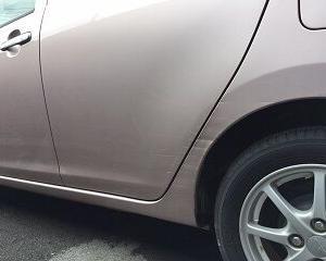 車の修理~コンパウンドとステッカー~