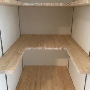 棚板の面積を削ってでも使いやすい収納へ