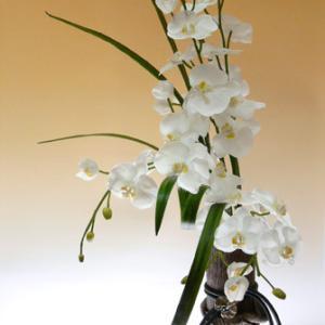ミニマニストにはなれない(ならない)私…エミリオロバの花の彫刻