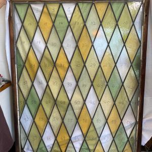 純和風家屋に アンティークのステンドグラスパネルをリサイズ