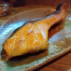 【外食の活用法】外食でお魚を食べて食べながらやせる