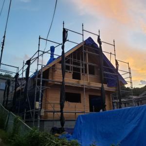 奈良県生駒市S邸様建て方工事。 建て方工事と電気工事が完了!
