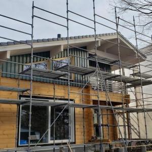 ログハウス新築工事進めています!