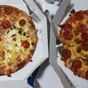 ピザの上にパイナポーも美味かった