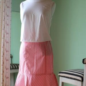 14着しかないのに、そして、かわいいのに。この夏一度も穿いてないスカート☆理由は三つ♪