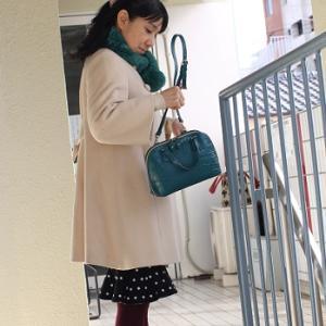 【今日の服】ベージュのコートをスカートとパンツでコーディネート
