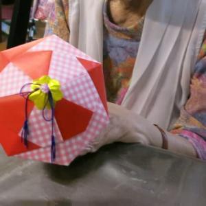 傘の制作。