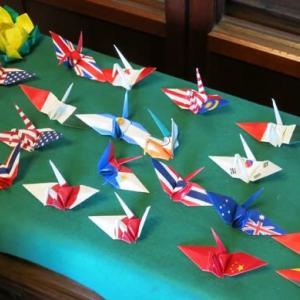 オリンピック、パラリンピックにちなんで鶴を作成。