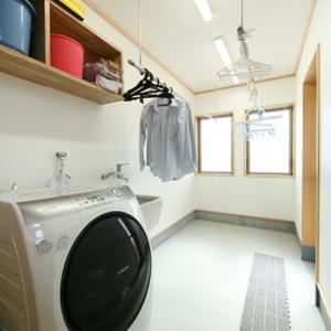 雨の日に便利な屋内物干し室