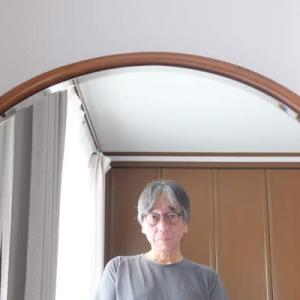 新しいメガネで自分撮り