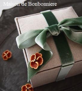 カルトナージュレッスンサンプル~リボンのキャンディーボックス~