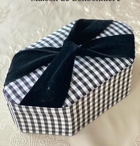 カルトナージュレッスンサンプル『変形八角形のボックス』