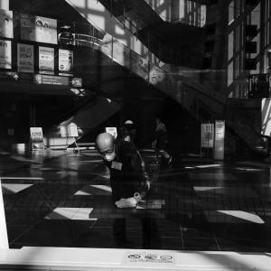 気まぐれな光、気まぐれな雨に、古町界隈で本日オーバーワーク #01 20201121