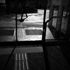 気まぐれな光、気まぐれな雨に、古町界隈で本日オーバーワーク #02 20201121