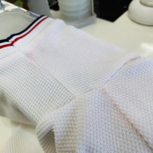 着用後のお洋服は汗の影響で生地が傷んでいる状態が長く続きますと生地や色が時間と共に傷んでしまいま