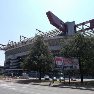イタリア、ミラノ、サン・シーロスタジアム駅からホテルまでの道中のいろいろ。