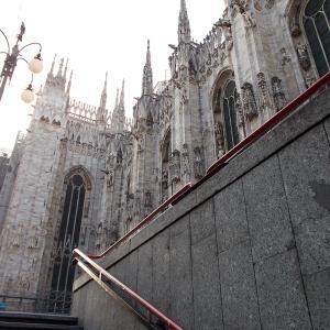 イタリア、ミラノの街のドゥオーモへ行ってみる。