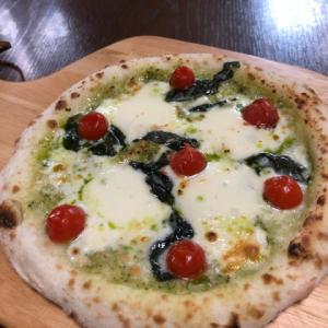 森山ナポリのピザ。