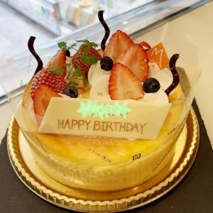 チーズケーキがお好きな方に♬記念日に特別なデコレーションケーキ
