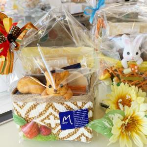 秋のギフトは木の実もお菓子も大好き♬かわいい子リスのギフト