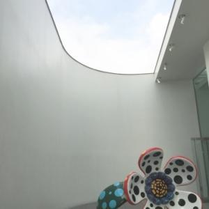 草間彌生美術館。
