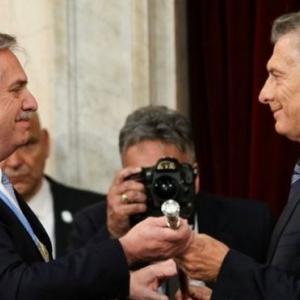 アルゼンチン:新自由主義からペロニズムへの回帰(12月10日)