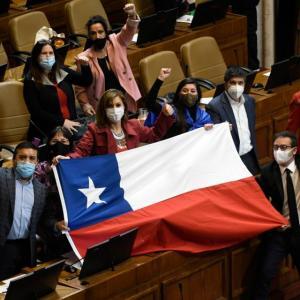 チリ:ピニェラ大統領不支持率74%に上昇(7月22日)