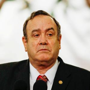 グアテマラ大統領、経済活動再開の日にコロナウィルスに感染(9月19日)