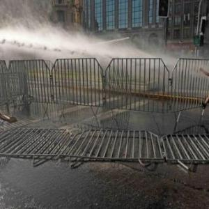 チリ:ピニェラ大統領やめろの声、連日大統領宮殿周辺に轟く(11月27日)