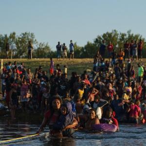 米国、大規模なハイチ移民の強制送還(9月22日)