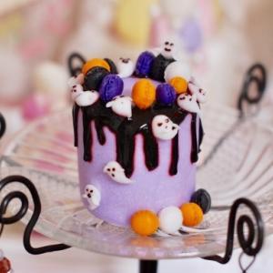 10月のクレイアートケーキのレッスンは「ハロウィンのドリップケーキ」