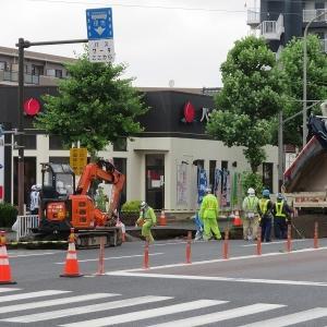横浜市港北区大豆戸町 道路陥没  東急新横浜線工事関連?