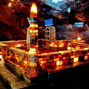 世界最大級の岩塩鉱 ヒマラヤのピンクの塩 パキスタン