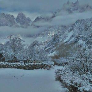 冬のフンザ 大雪