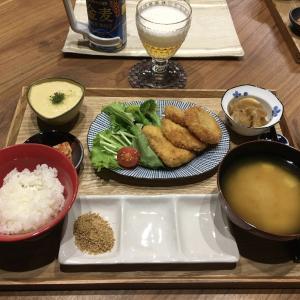 【献立】カジキマグロのフライ、とろろ芋、じゃがいもと玉ねぎの旨煮、キムチ、豆腐のお味噌汁、ビール