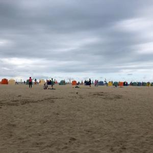 曇り空のノルマンディーの海辺で(トローヴィル&ドーヴィル)
