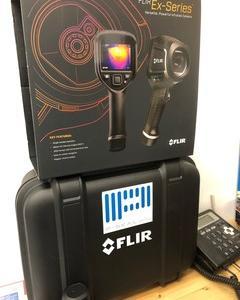 FLIR 〓 Systems フリアー サーモカメラ