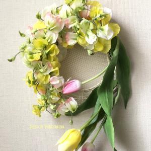 """<今月の花>アップしました。""""スイトピー&チューリップの春爛漫リース"""