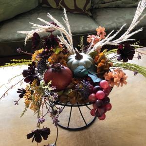 """ショコラ色の秋桜が揺れて・・""""実りの秋のコンポートアレンジ""""生徒様の作品ご紹介!"""
