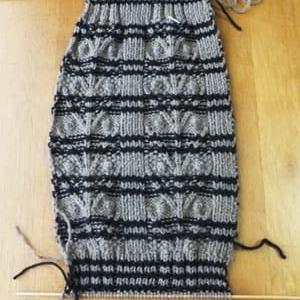 レッグウォーマー、ゴム編み終了。