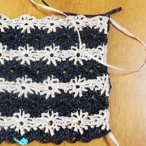 クッションカバー編み始め